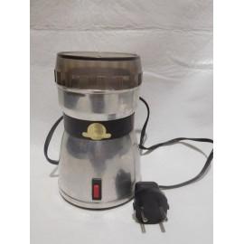 Antiguo molinillo de  café Taurus.  Funciona.  Acero inoxidable.