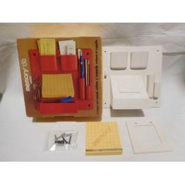 Memory Center para dejar llaves, apuntar cosas importantes... Años 70 en blanco y en su caja