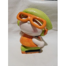 Hucha en porcelana muñeca con grandes gafas muy bonita. Años 80.