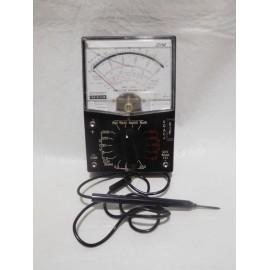 Antiguo multitester polimetro voltimetro . Años 50 en baquelita.  Fabricado en Japón sanwa u50-dn