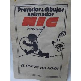 Proyector de Cine Nic funcionando con instrucciones en caja y 4 películas
