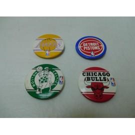 Cuatro chapas de equipos NBA. Años 80.