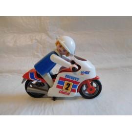 Figura Playmobil Famobil antiguo con moto. Motorista.