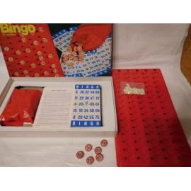 Antiguo juego de Bingo de Borras con fichas talladas en madera y soporte en plástico. 50 cartones.