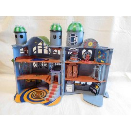 Casa fantasma de Famosa del fantasma Casper castillo fantasmagorico muy bonito. Sin contenido