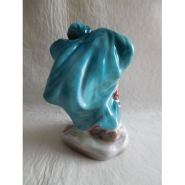 Maravillosa figura de Nice Royal Doulton porcelain figurine Winter, HN 2088. Serie limitada.