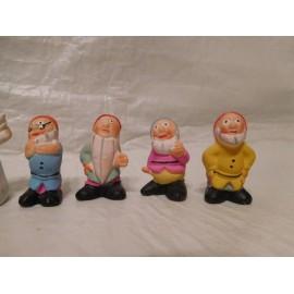 Figuras en realizadas en barro de Blancanieves y los siete enanitos. Años 40. Preciosos
