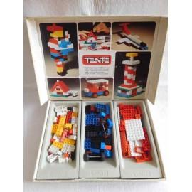 Caja Tente 2 años 80. Bastante completa.