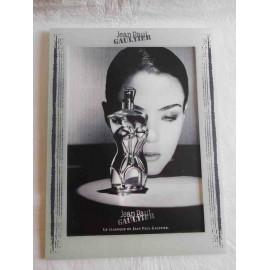 Marco con fotografía antigua del perfume Classique. Diseñador Jean Paul Gaultier. Una joya.