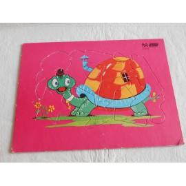 Puzle especial Diyuque tortuga mágica en cartón duro.