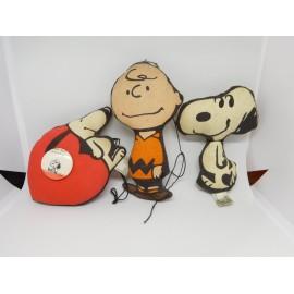 Lote de piezas en tela rellena de figuras de Snoopy. Años 70.