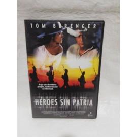 DVD Heroes sin patria. Año 1999. Belica.