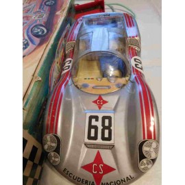 Coche autodirigido Porsche GT de Rico. Plateado y con nº 68 en caja. Precioso.