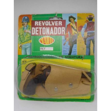 Revolver detonador pistola en funda. Fabricado por Marti. Años 80.