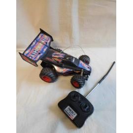Coche radio control Exterminator Nikko. Para piezas o para arreglar.