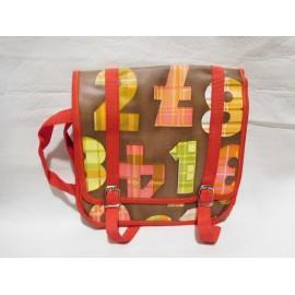 Cartera de Colegio años 70 en rojo y marrón con números. Nueva. Sistema cierre en broche.