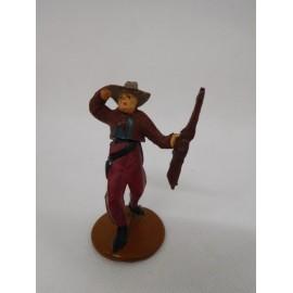Figura vaquero con escopeta y mano en sombrero. Goma. Años 50. Fabricado por gama. Ref 15.