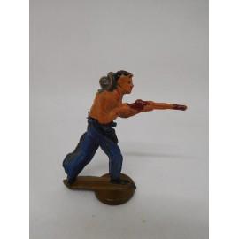Figura vaquero apuntando con escopeta. Goma. Años 50. Fabricado por gama. Ref 12.