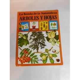 Libro Colección Senda de la Naturaleza. Arboles y Hojas. Ed. Plesa SM. Años 80.