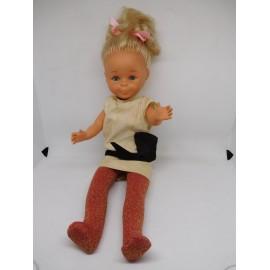 Muñeca Nancy con pecas y piernas flexibles años 80. Ropa y zapatos originales.