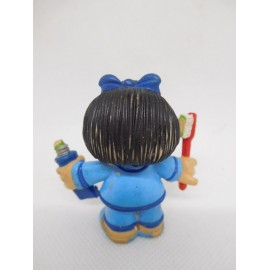 Figura de goma pvc Mafalda cepillandose los dientes. Quino. Comic Spain.