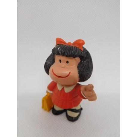 Figura de goma pvc Mafalda con cartera, consejo escolar. Quino. Comic Spain.
