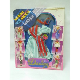Conjunto Vestido en caja. Muñeca Darling de Famosa. Darling Boutique.