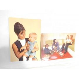 Dos postales escenas familiares. Años 70.