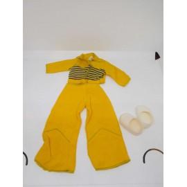 Conjunto de Nancy Deportivo en amarillo con zapatillas. Ref 50. Caja 1.