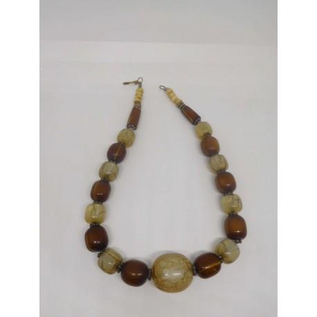 Collar étnico africano. Ceremonial. Piedra, ambar y hueso. Antiguo.