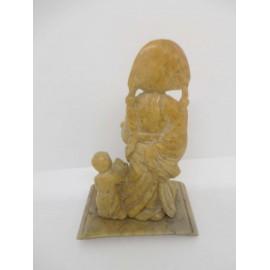 Talla japonesa de maestro y discípulo en piedra jabonosa. Primera mitad del siglo XX.