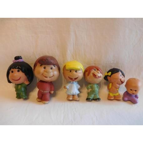 Muñecos en plástico y pintados de la Familia Telerín. Años 60.
