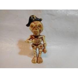 Figura en plástico duro de esqueleto fabricado por Airgam. Serie monstruos del castillo. Años 70.
