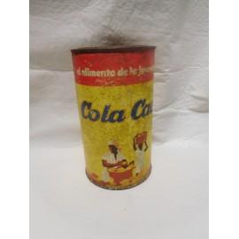 Antigua lata de Cola Cao las primeras las cilíndricas en cartón y con tapa de metal.
