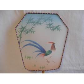 Antiguo pay pay japones en seda pintado a mano de ave.