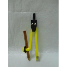 Compás marca Safta años 80 con sistema de lápiz. En color fosforito.