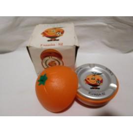 Antiguo cenicero en forma de naranja del Naranjito. Mundial España 82.