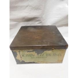 Caja de galletas Flor de Trigo Dominguez Bautista Salamanca. Hojalata y papel. Años 40