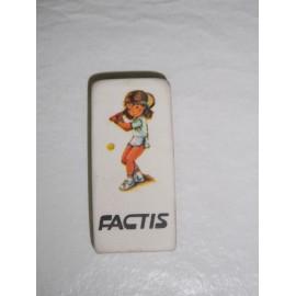 Mitica goma de borrar Factis con niña jugando al tenis. Años 80
