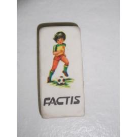 Mítica goma de borrar Factis con niño jugando al fútbol. Años 80