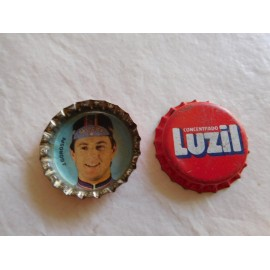 Chapa corona premium regalo de detergente Luzil.  Años 80. Equipo Reynolds. J Gorospe