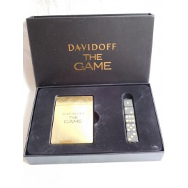 Curiosa y original baraja de cartas y dados en dorado y negro obsequio de Davidoff