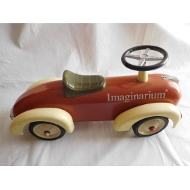 Precioso coche estilo Vintage Imaginarium con volante. Para impulsarse con los pies.