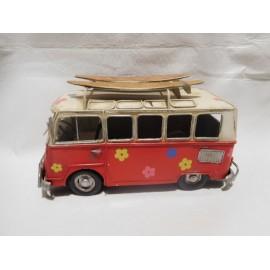Bonita furgoneta Volkswagen hippy estilo años 60.