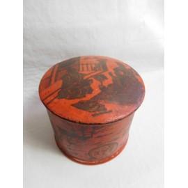 Caja lacada en papier maché japonesa para talco.  Muy antigua. Siglo XIX.