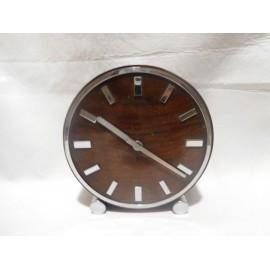 Precioso reloj de sobremesa años 50 estilo Mid Century en madera y metal